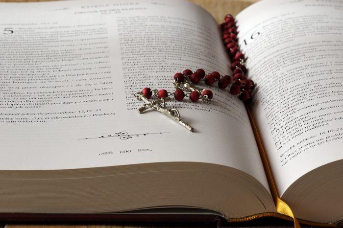 Wykaz podręczników do religii na nowy rok szkolny 2021/2022