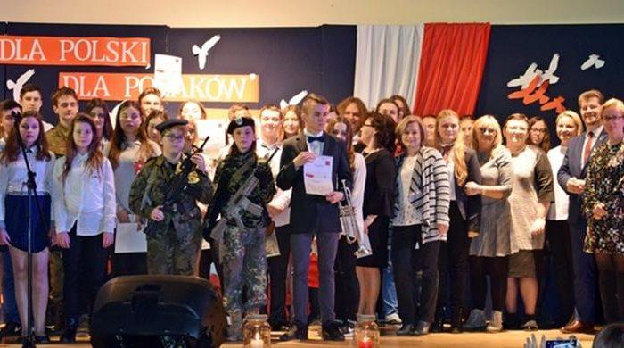 III Powiatowy Konkurs Pieśni Patriotycznej w Malborku z udziałem naszych uczniów