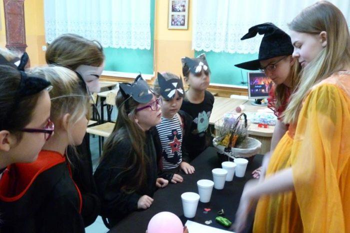 Tradycje ludowe – Andrzejki w kl. IV a