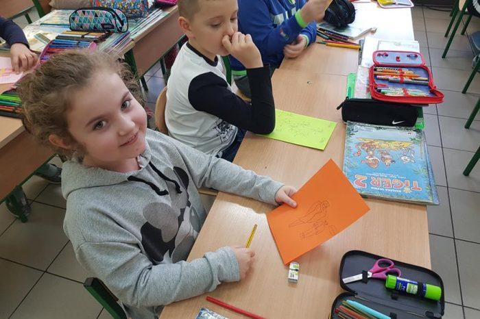 Wymieniamy się kartkami z uczniami innej szkoły
